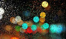 雨天开车的开心的句子 雨中开车的唯美句子