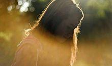 孤独伤感的句子说说心情:承诺有多心酸,誓言就有多荒唐